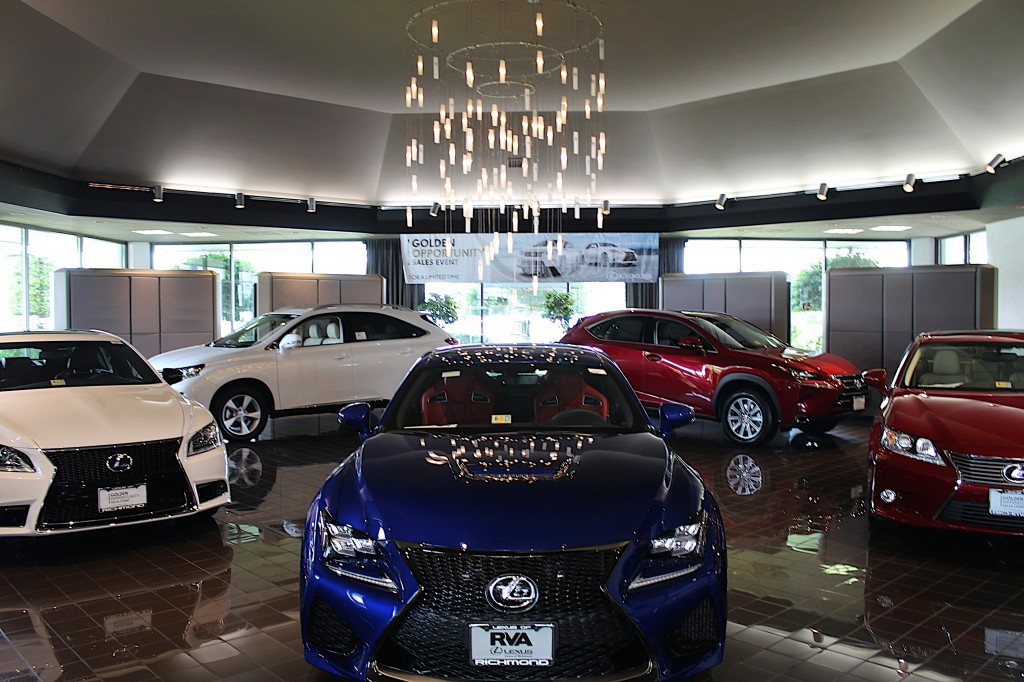 Lexus of Richmond New Car Showroom